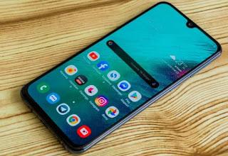 best smartphones under 200, best smartphones for under £200